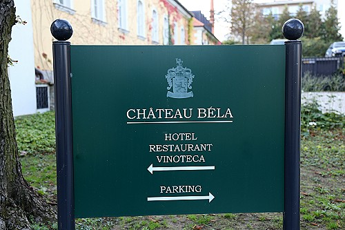 St. John Investitur Chateau Bela-100