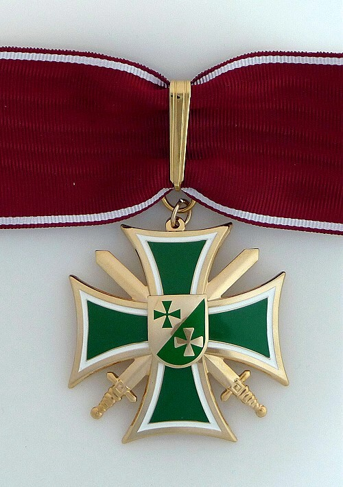 2c Honor Cross Commander 500