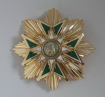 LU-Cross-Grand-Cross-4503