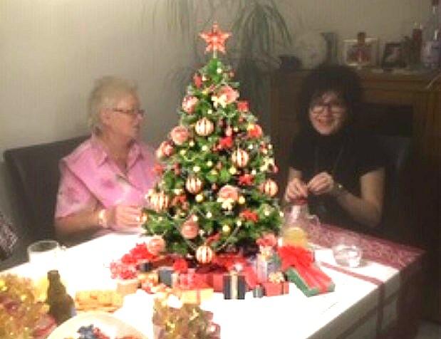 Weihnachtstütenpacken